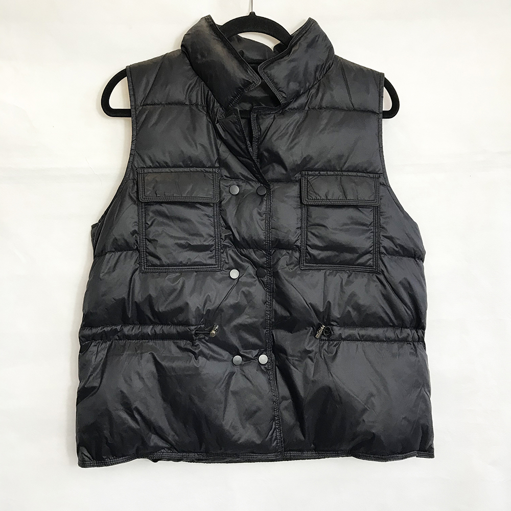 Crop Puffer Gilet in Shiny Black